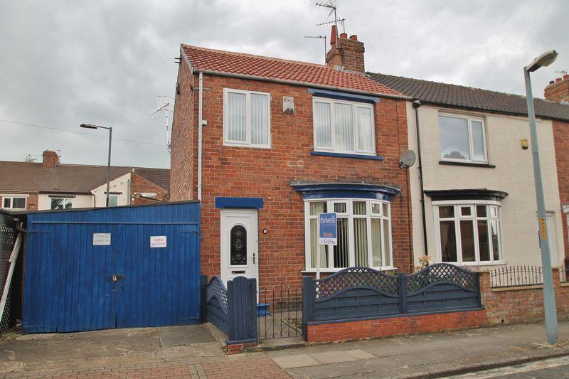 4 Bedrooms Terraced House for sale in Lytton Street, Longlands ,Middlesbrough
