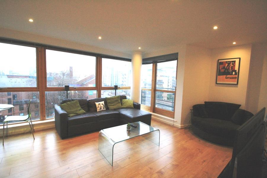 2 Bedrooms Flat for sale in ST JAMES QUAY, BREWERY WHARF, LEEDS, LS10 1HG