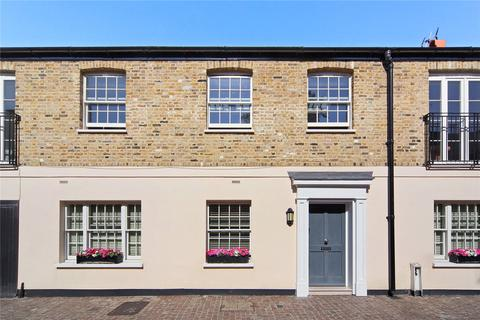 3 bedroom mews to rent - Palace Gardens Mews, London, W8