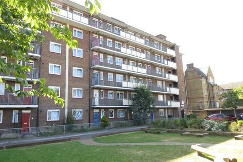 3 bedroom flat to rent - Hooke House, Gernon Road E3