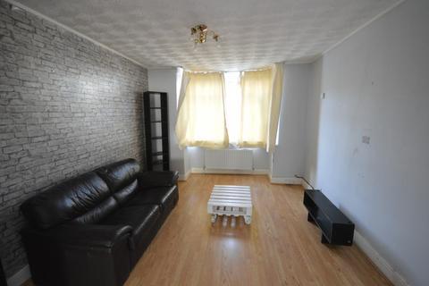3 bedroom terraced house to rent -  Merten Road, Chadwell Heath, Romford, RM6