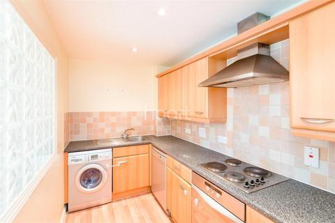 2 bedroom flat to rent - Geneva Court, NW9