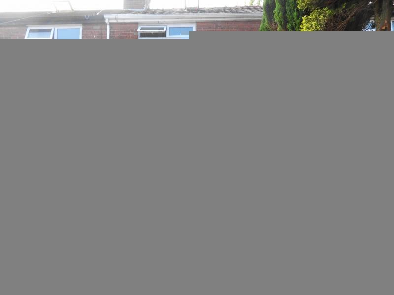 2 Bedrooms Semi Detached House for sale in Kensington Street, Rochdale, Greater Manchester. OL11