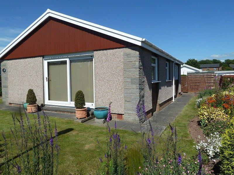 3 Bedrooms Bungalow for sale in 21 Parc Pendre Brecon, Powys.