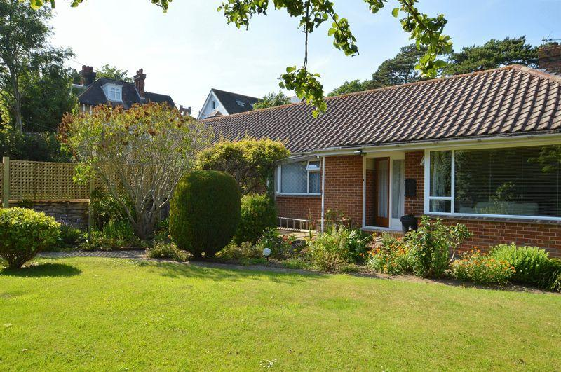 2 Bedrooms Bungalow for sale in Totland