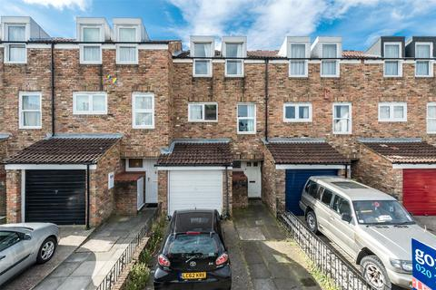 3 bedroom terraced house to rent - Chale Road, London, SW2