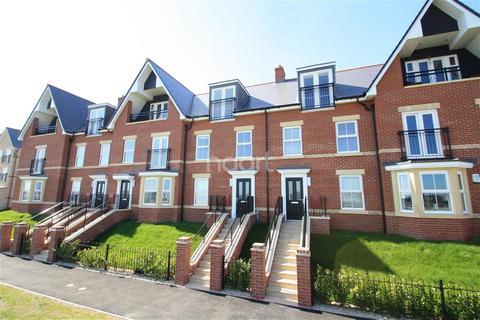 3 bedroom terraced house to rent - Coastguard Walk, Felixstowe