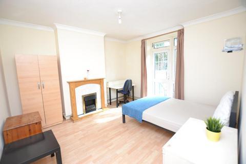 3 bedroom flat to rent - Gill Street, London, E14 8AF