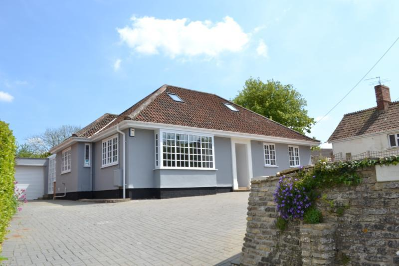 3 Bedrooms Bungalow for sale in Mill Street, North Petherton, Bridgwater, Somerset, TA6