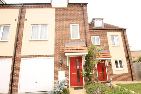 3 bedroom terraced house to rent - Melrose Close ME15