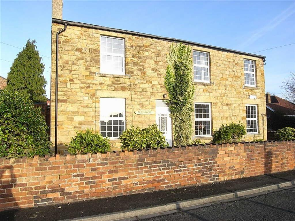 4 Bedrooms Detached House for sale in Park Street, Ossett, WF5