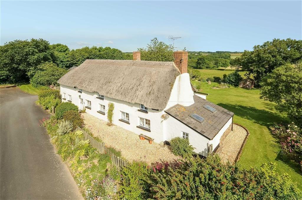 5 Bedrooms Detached House for sale in Cheriton Bishop, Exeter, Devon, EX6