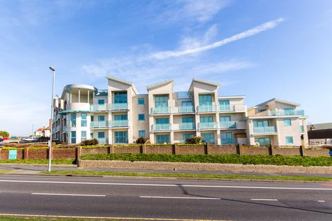 2 bedroom ground floor flat to rent - The Cape, Marine Drive, Rottingdean, Brighton BN2