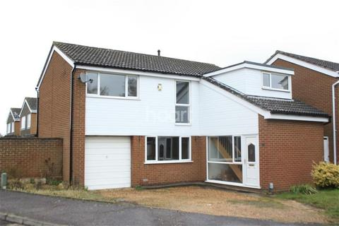 4 bedroom detached house to rent - Hyholmes