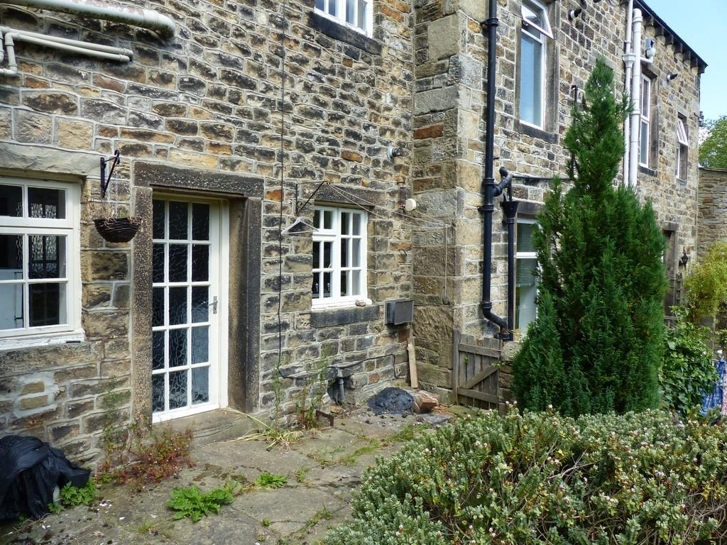 2 Bedrooms Cottage House for sale in Main Street, Addingham