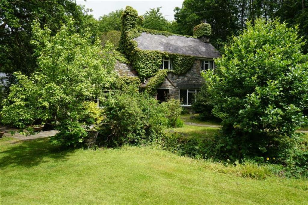 4 Bedrooms Detached House for sale in Betws Y Coed, Conwy
