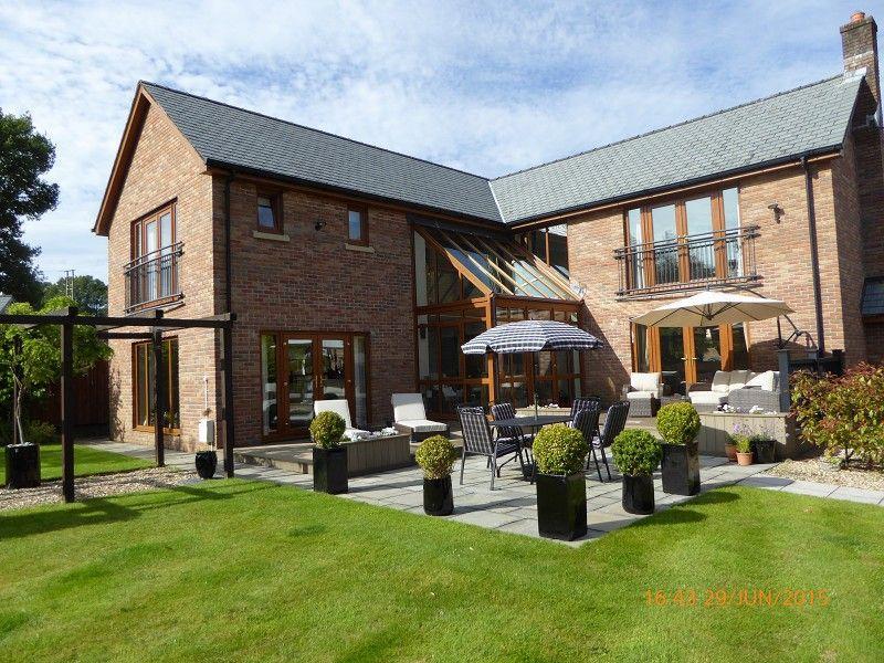 4 Bedrooms Detached House for sale in Pen Yr Alltwen Park, Rhos, Pontardawe.