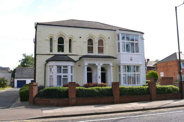 6 Bedrooms Semi Detached House for sale in Eleanor Street, GRIMSBY