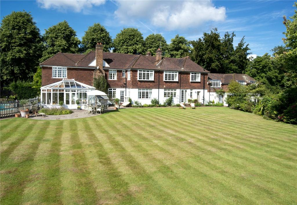5 Bedrooms Detached House for sale in Ballards Lane, Limpsfield, Oxted, Surrey, RH8