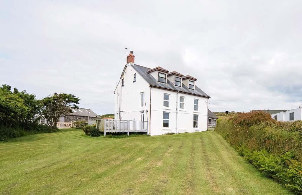 4 Bedrooms Detached House for sale in Newbridge, Penzance, Cornwall, TR20