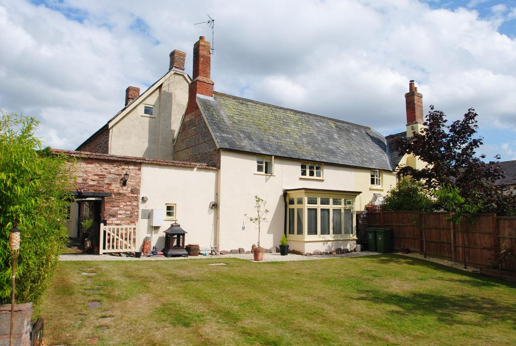 4 Bedrooms Semi Detached House for sale in Tudor Park, Taunton