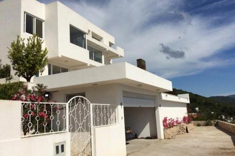 4 bedroom house  - Dobra Voda, Bar, Montenegro