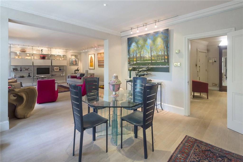 2 Bedrooms Flat for sale in Aldford House, Park Street, Mayfair, London, W1K
