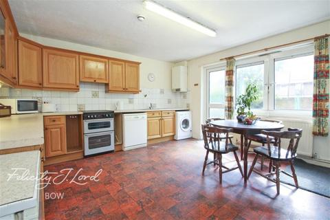 4 bedroom terraced house to rent - Sabella Court, Mostyn Grove, E3