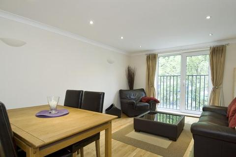 1 bedroom flat to rent - Chatsworth Lodge, Bourne Place, Chiswick, London