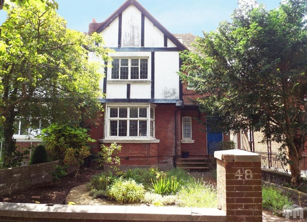 4 Bedrooms Flat for sale in Harrington Road Brighton East Sussex BN1