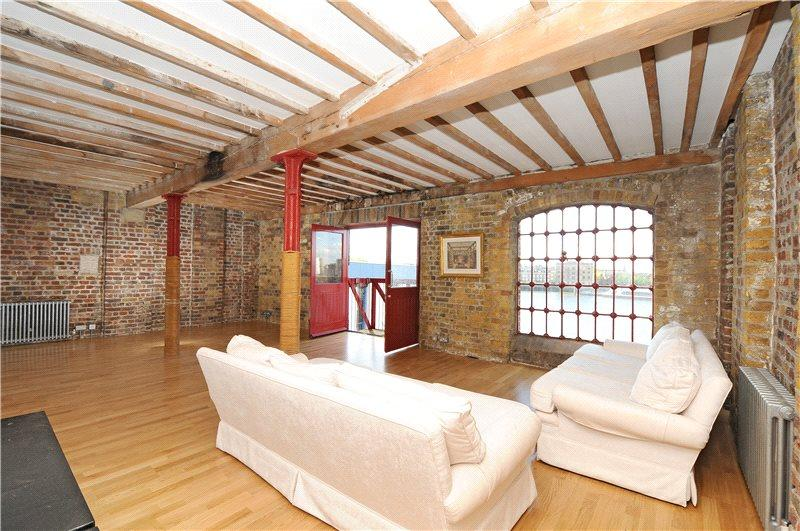 2 Bedrooms Flat for sale in Execution Dock House, 80 Wapping High Street, London, E1W