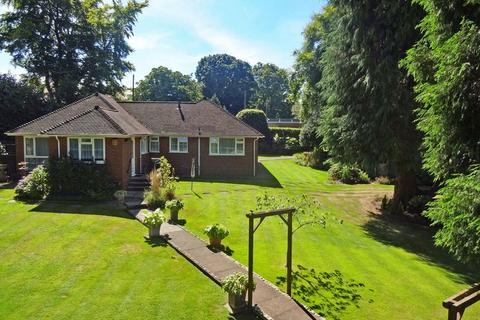 3 bedroom detached bungalow for sale - Grayshott