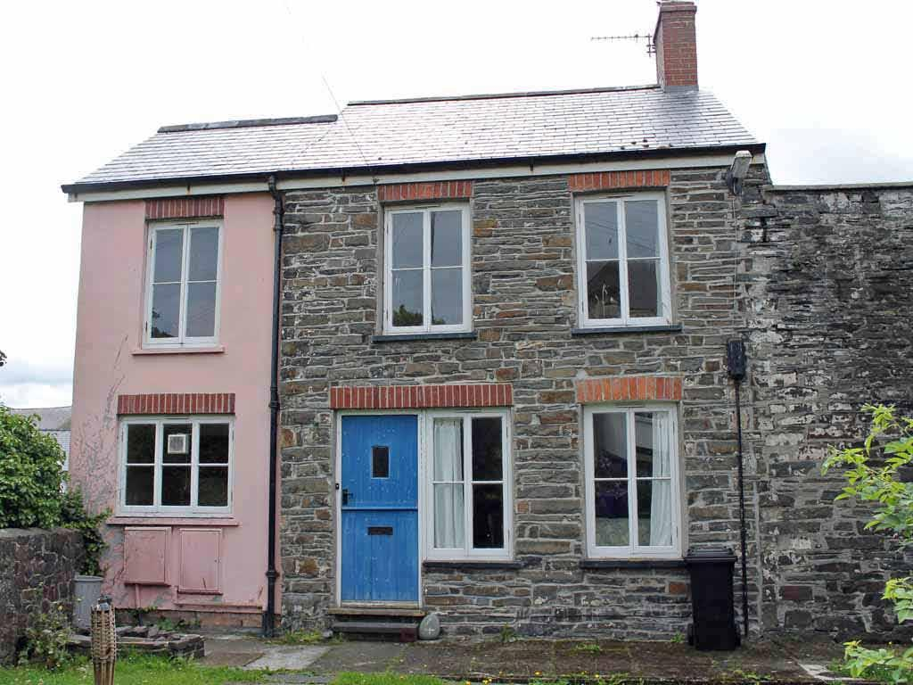 2 Bedrooms End Of Terrace House for rent in 4 Gateway Buildings, Off Esatgate Street, Aberystwyth SY23