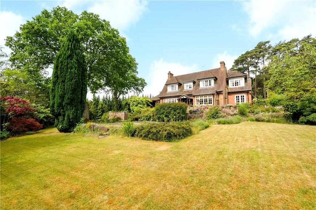 7 Bedrooms Detached House for sale in Chertsey Road, Windlesham, Surrey, GU20