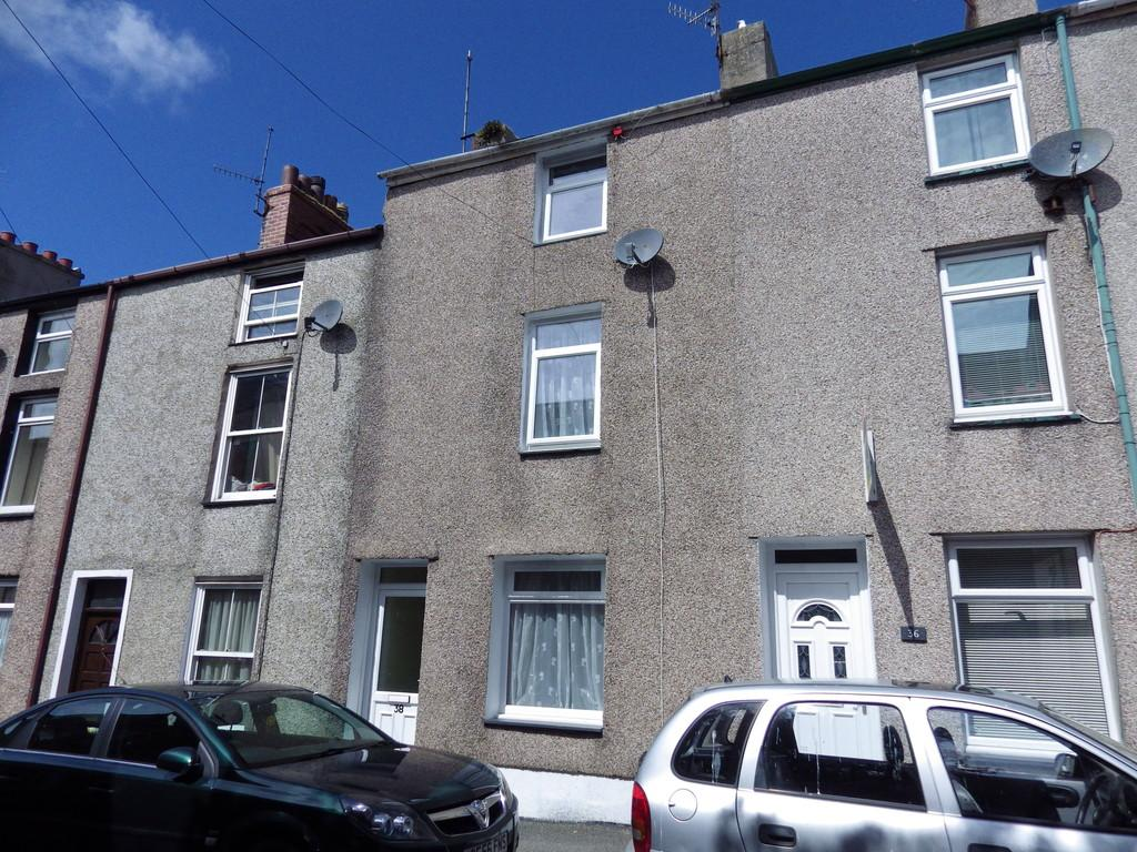 3 Bedrooms Terraced House for rent in New Street, Caernarfon, North Wales