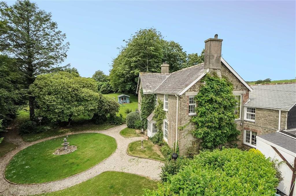 6 Bedrooms Detached House for sale in Merrymeet, Liskeard, Cornwall, PL14