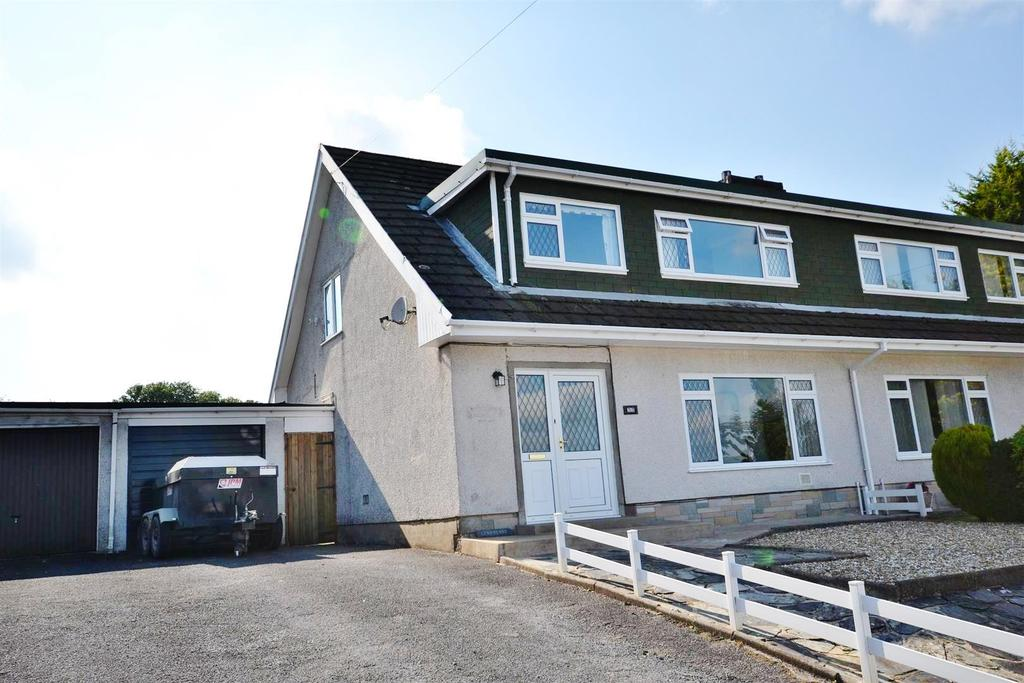 3 Bedrooms Semi Detached Bungalow for sale in Cwmffrwd, Carmarthen