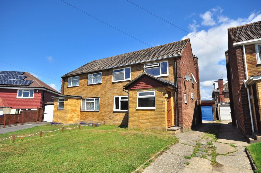 3 Bedrooms Semi Detached House for sale in POUND HILL