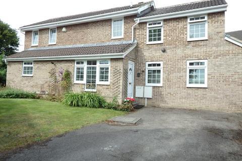 4 bedroom detached house to rent - ADEL VALE, LEEDS, WEST YORKSHIRE, LS16 8LF