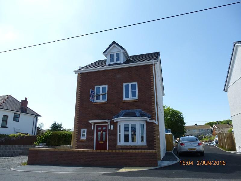 4 Bedrooms Detached House for sale in Llys Manon Off Blaenau Road, Llandybie Ammanford Carmarthenshire.