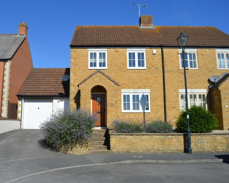 3 Bedrooms House for sale in Lampreys Lane, South Petherton, Somerset, TA13