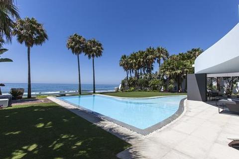 6 bedroom villa  - Los Monteros, Marbella East, Costa Del Sol