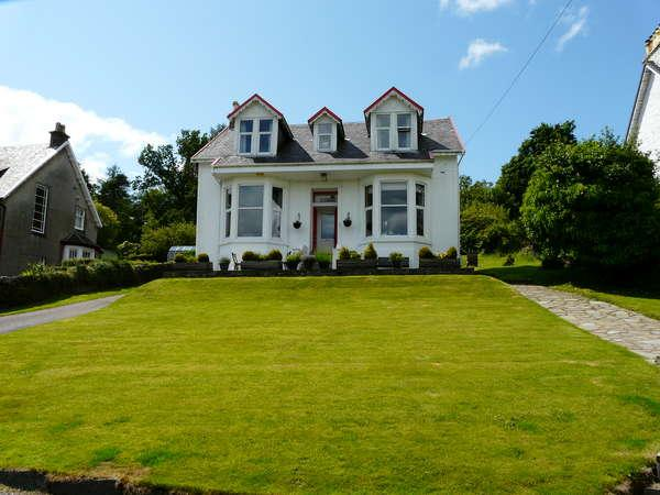 5 Bedrooms Detached House for sale in 17 Victoria Road, Hunters Quay, Dunoon, PA23 8JY