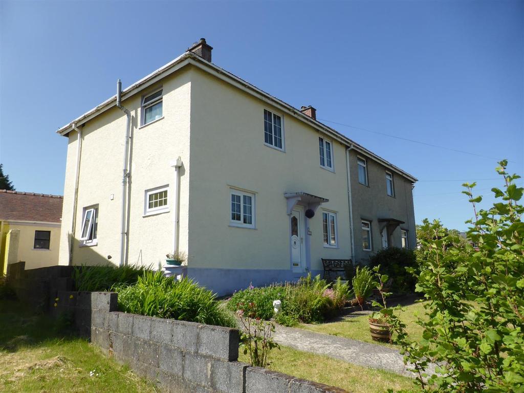3 Bedrooms Semi Detached House for sale in Heol Y Garreg Las, Llandeilo