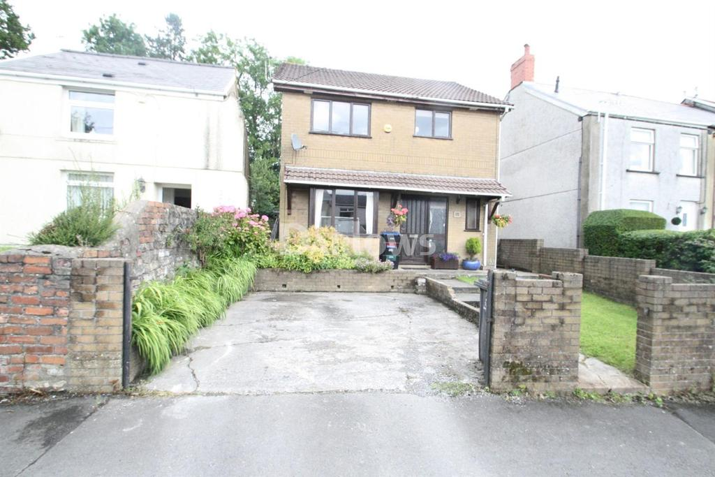 3 Bedrooms Detached House for sale in Scwrfa Road, Dukestown, Tredegar, Gwent