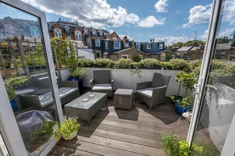 3 bedroom apartment for sale - SILVERTHORNE ROAD, SW8