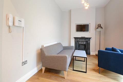 2 bedroom flat to rent - Victory Place, London, SE17