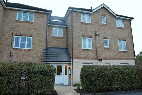 2 bedroom flat to rent - Keble Court, Gateshead Road, Borehamwood, Hertfordshire