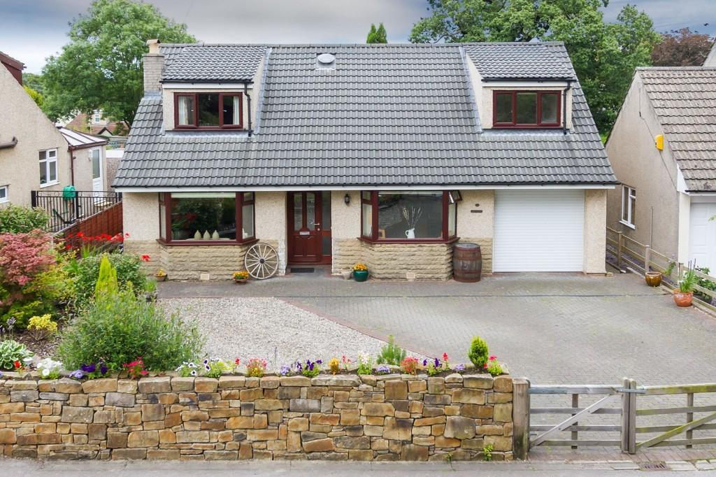 3 Bedrooms Detached Bungalow for sale in The Brambles, 28 Quernmore Road, Caton, Lancaster LA2 9QA