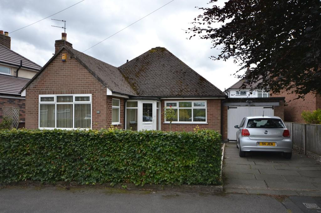 2 Bedrooms Detached Bungalow for sale in Barrowfield Road, Eccleston, St. Helens